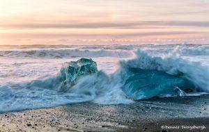 6747 Sunrise, Jökulsárlón Iceberg Black Beach, Iceland